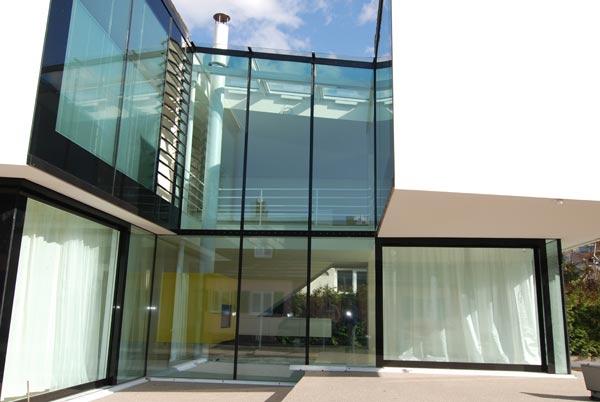 glas als wand diefenthaler visionen aus glas. Black Bedroom Furniture Sets. Home Design Ideas